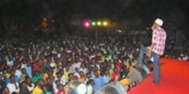 Cropped stonebwoy doing his show in ghana