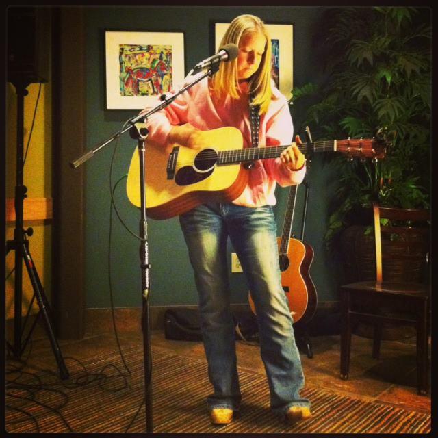 Belleville (MI) United States  City pictures : Jen Lawson's Profile | Musicpage