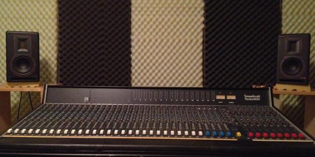Cropped soundcraft
