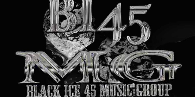 Cropped black ice 465