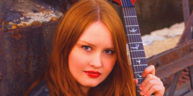Cropped shannon curfman publicity shot 2010 for web