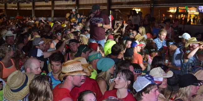 Cropped country fest 234