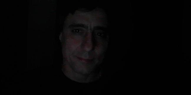 Cropped eddie dark