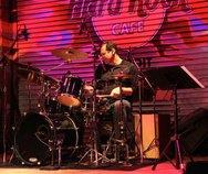 Thumb drumming 1