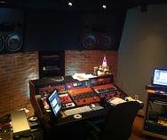 Thumb im studio small